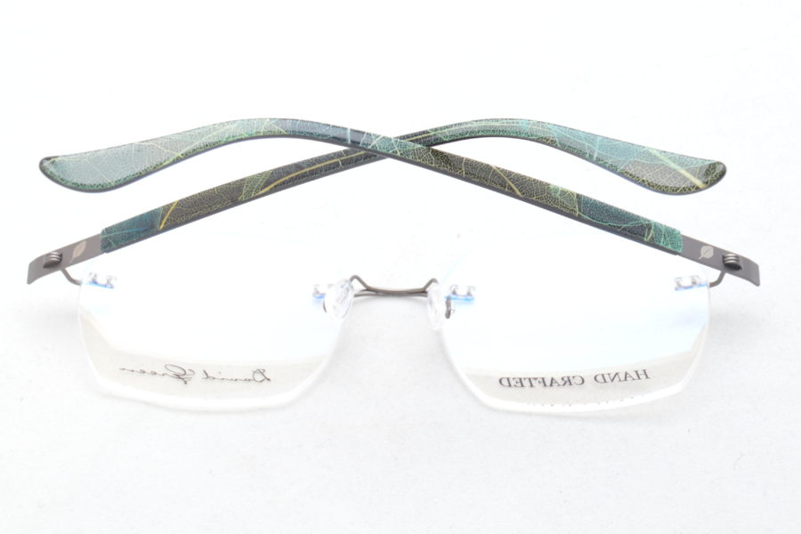 Rimless with leaf temples